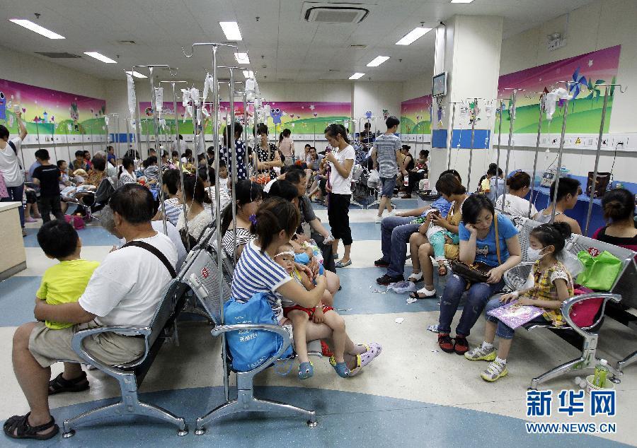 医院输液沙发-齐鲁医院儿科病房楼 齐鲁医院儿科 医院儿科病房图片