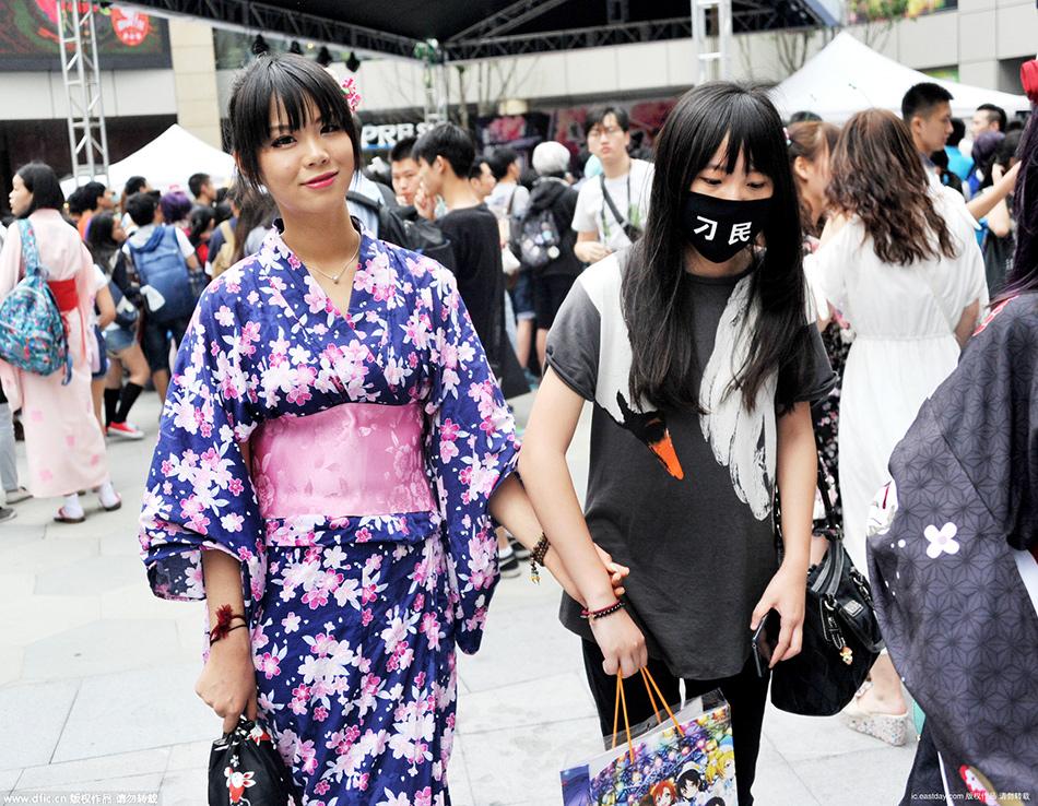 2015上海夏日祭Cos上演 性感火辣嗨翻天 新