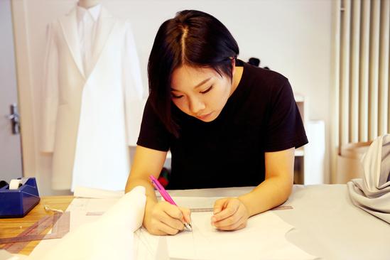 网易时尚独家专访tfboys服装设计师cici