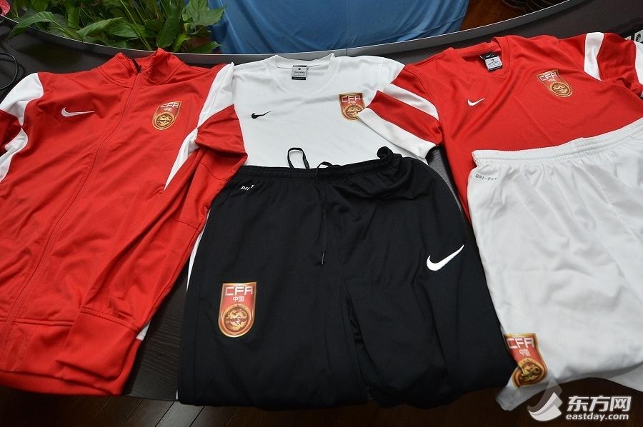 国少初中周桦逸:小将足球一样为国争光_1299网英语校园图片