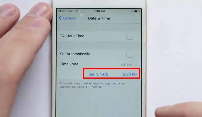 苹果手机变板砖 捅出了苹果处理时间的秘密-新华网