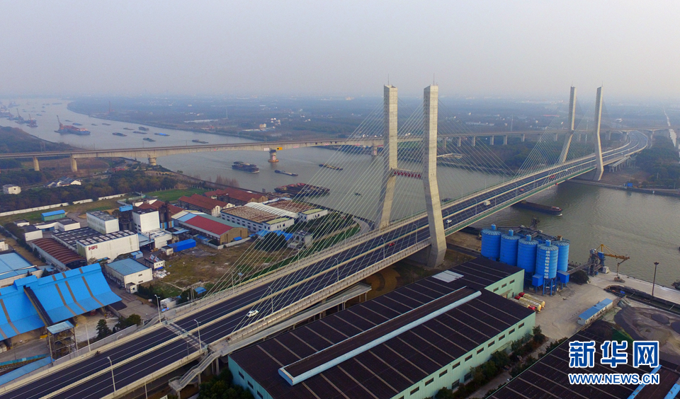 为全混凝土结构斜拉桥