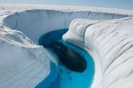 丹麦海峡巨大瀑布