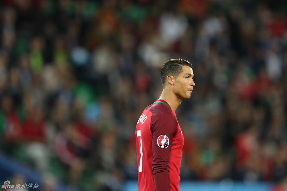 2016年欧洲杯葡萄牙队迎战冰岛队
