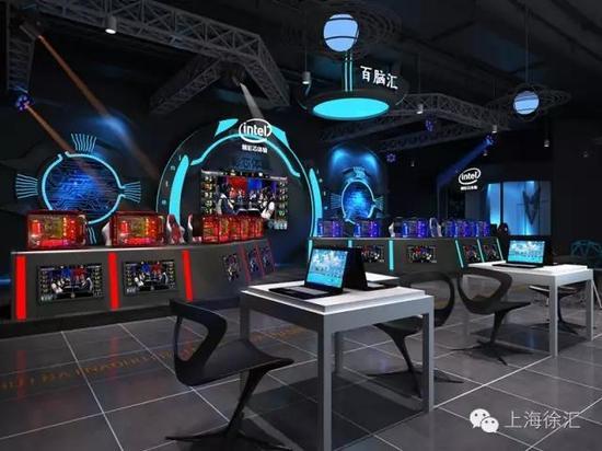SPACE 339   SPACE339是百腦匯上海店在一樓精心特辟的240平米科技展廳,以科技 智能 體驗互動四大核心元素,匯聚成未來感十足的科技體驗互動中心。透過主題展覽、精品策展方式等,向外傳遞領先業界的高端科技概念,是國內外最先進的科技體驗展覽館,在這裏消費者可以第一時間接觸到全球最新發布的前沿産品。   翼世紀電競館    百腦匯上海店首創了全國第一家集合所有電競元素的專屬樓層,位于商場三樓的翼世紀電競館面積約800平米,擁有上百臺最新配置的電競設備,全館分為電競對戰區、電競舞臺區、電競黑
