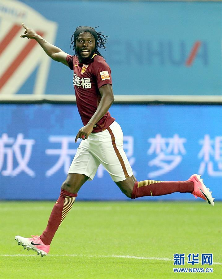 上海 河北/7月29日,河北华夏幸福队球员热尔维尼奥庆祝进球。