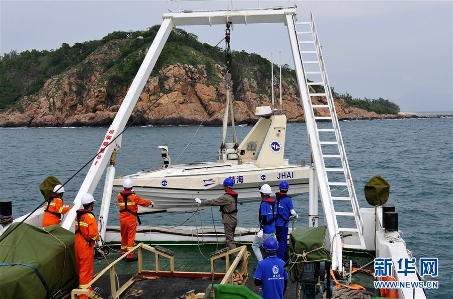 (图文互动)(1)我国首次利用无人艇进行海岸带综合地质调查