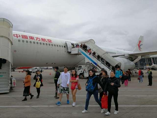 东航班机接载滞留巴厘岛的千余名旅客