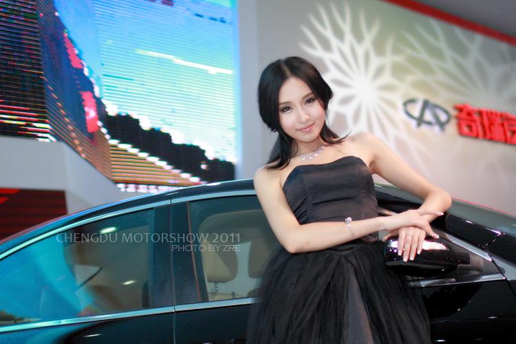 2011成都车展模特 都是气质美女 新华网上海
