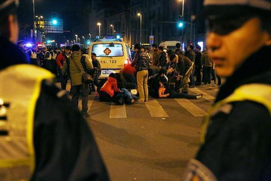 上海外灘發生踩踏事故致35人死亡