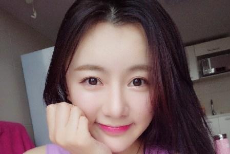 花滑女神颜值秒韩国最美女教师