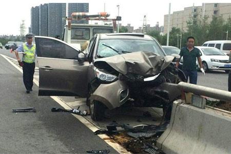 郑州发生惨烈车祸 双胞胎宝宝与妈妈遇难