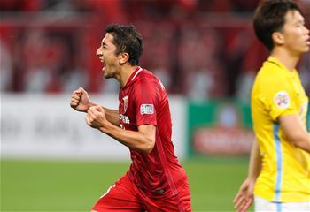 亞冠八分之一決賽首回合:上海上港勝江蘇蘇寧